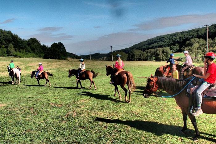 Na koňoch dolinou